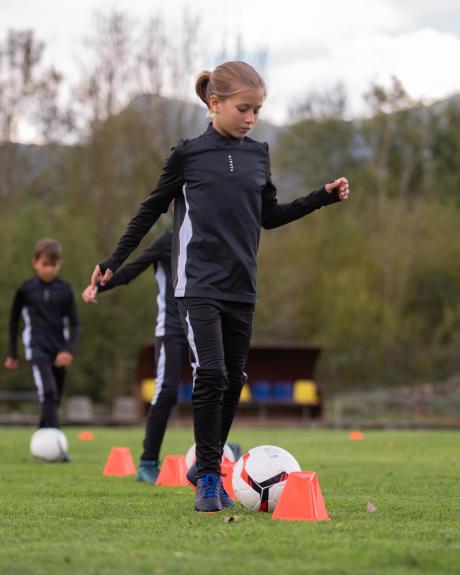 inscrire une fille au football