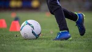 aider mon enfant à choisir ses chaussures de football