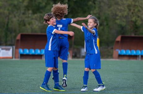 meisjes en voetbal