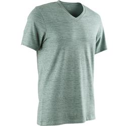T-Shirt 500 col V slim Pilates Gym douce homme vert AOP