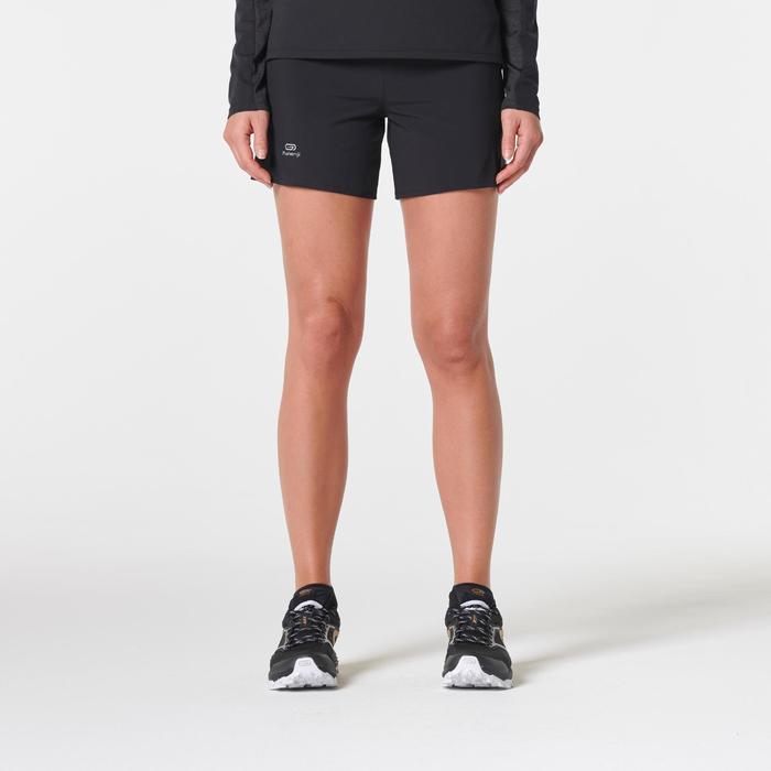 Short trail running negro mujer