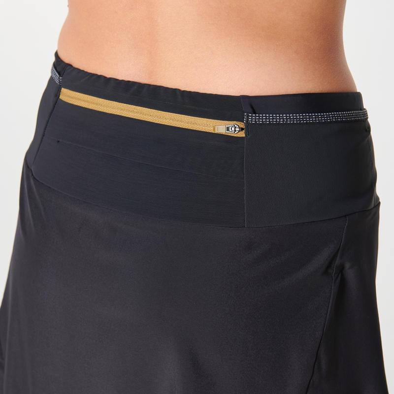 กางเกงขาสั้นวิ่งเทรลสำหรับผู้หญิง (สีดำ)
