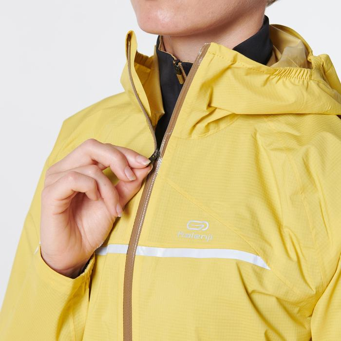 Regenjack voor traillopen dames okergeel