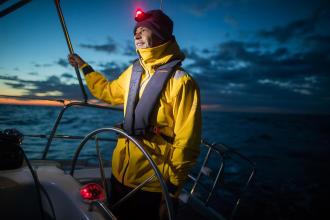 Découvrez comment Lambert gère ses nuits en mer lors de ses croisières
