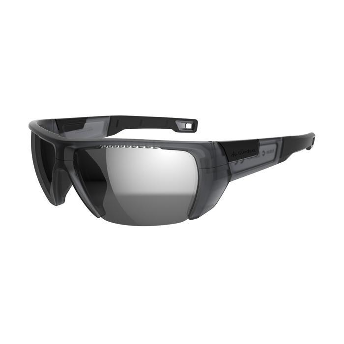 Gafas de sol de senderismo adulto MH590 negro polarizadas categoría 4