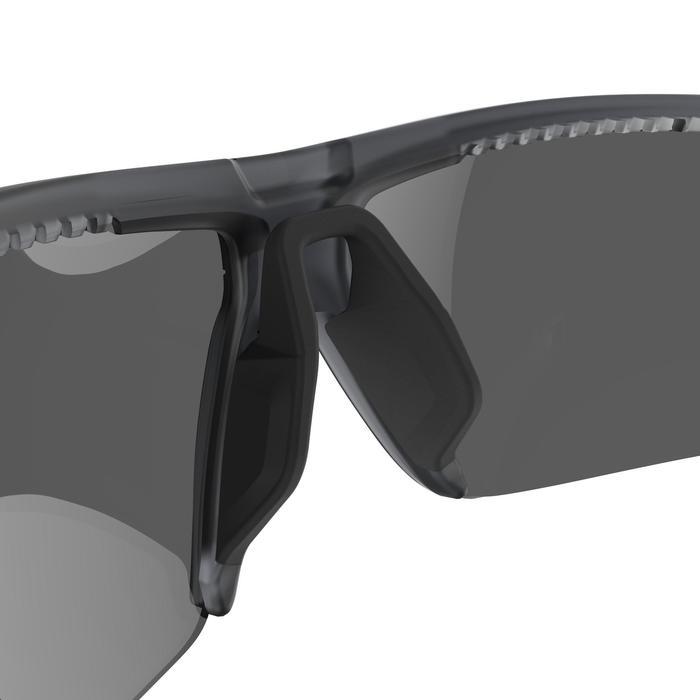 Sonnenbrille polarisierend Wandern MH590 Kategorie 4 Erwachsene schwarz