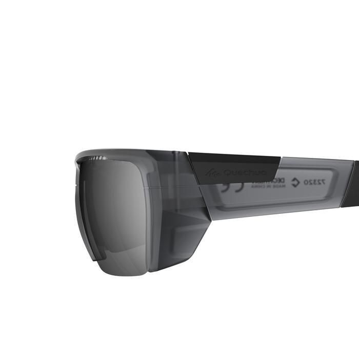 Wandelzonnebril voor volwassenen MH590 zwart polariserend categorie 4
