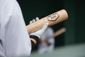 thumb mobile baseball bat