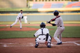 棒球|它不起眼卻很重要,你知道打擊手套怎麼選嗎?