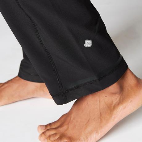 pantalon yoga dynamique homme en toile noir domyos by. Black Bedroom Furniture Sets. Home Design Ideas