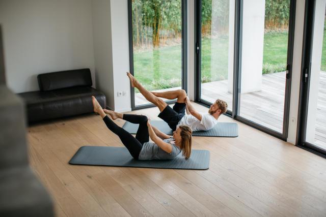 la pratique du pilates avec un tapis de sol les conseils. Black Bedroom Furniture Sets. Home Design Ideas