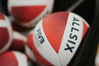 如何挑選合適的排球?