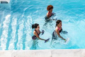 Erfahre hier mehr über die Vorteile und die positiven Eigenschaften von Aquafitness - Straffen von Po und Beinen, Fitness & mehr