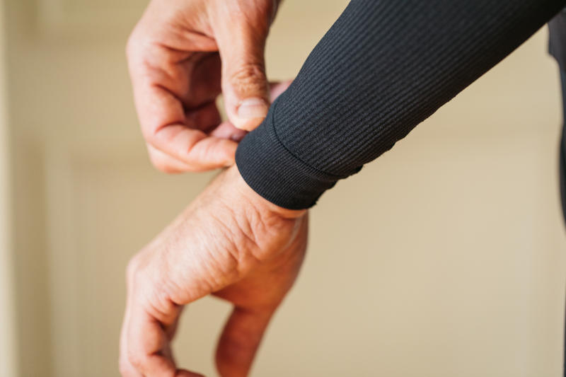 Pre-Shaped Cool Weather Arm Warmers - Black