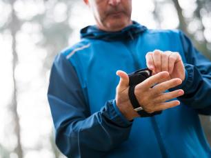 如何選擇慢跑配件 手機握套
