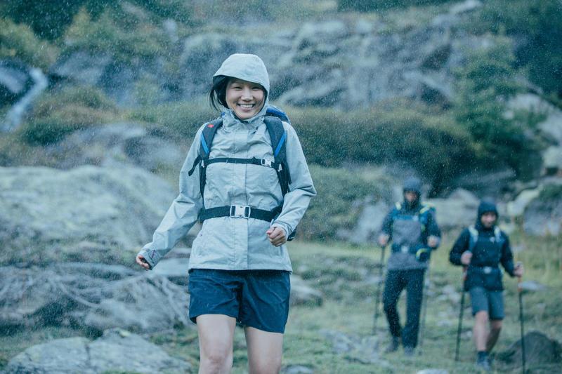 Chaqueta impermeable de hiking montaña mujer MH100 Ciruela jaspeado