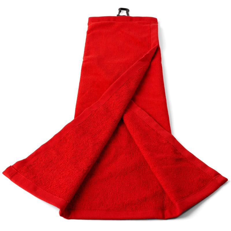 Trojnásobně složený ručník na golf červený