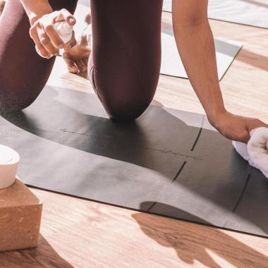 Deine Yogamatte reinigen