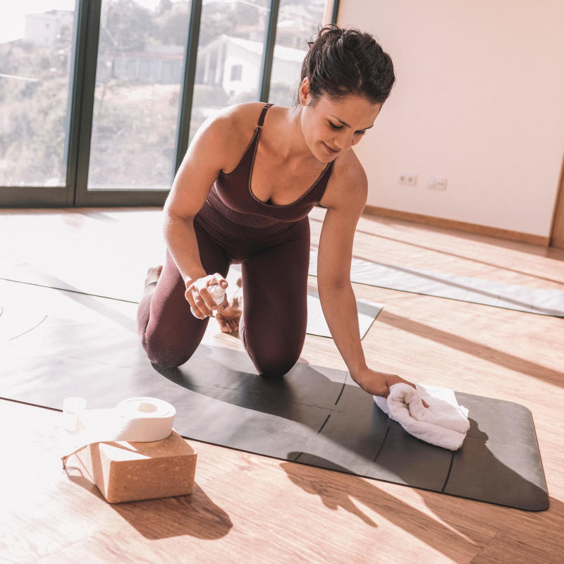 comment-entretenir_votre_tapis_de_yoga