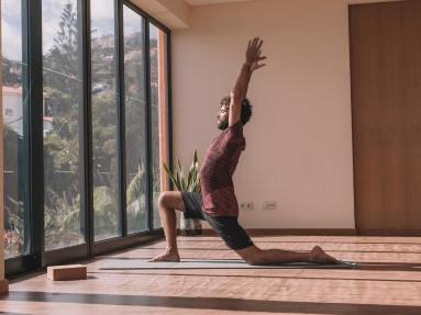 艾揚格瑜珈