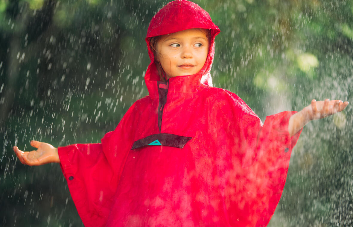 Cum să-ți echipezi copilul în timpul drumeției?