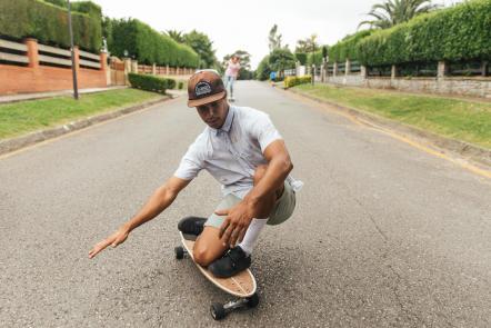 longboard_skateboard_decathlon_skateboarding_cruising_skate_carve_540_carver_carving_carve.jpg