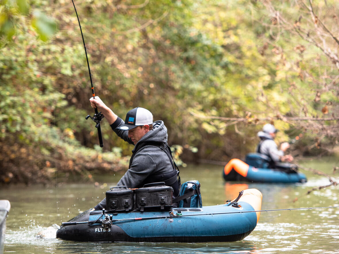 8 raisons de pêcher en float tube
