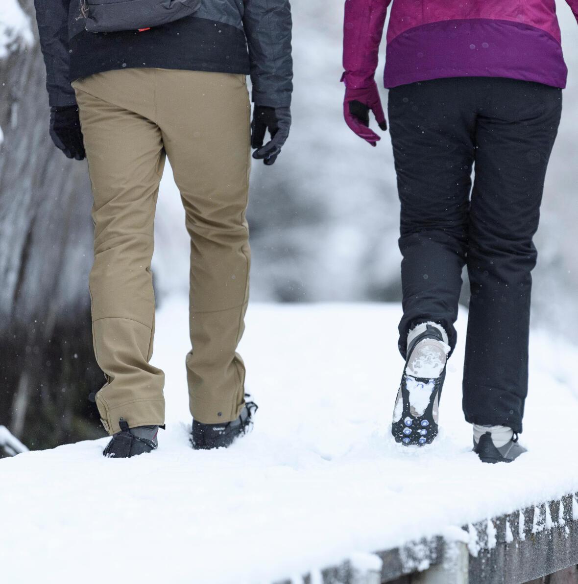 登山時避免穿著牛仔褲,並選擇合適的登山褲