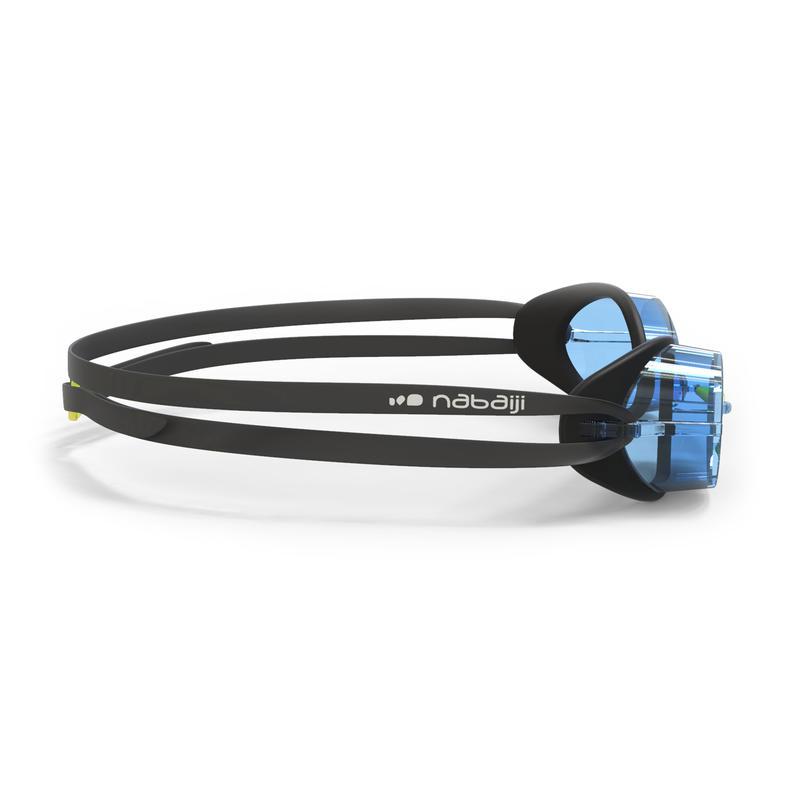 แว่นตาว่ายน้ำรุ่น 900 Swedish (สีดำ/ฟ้า เลนส์ใส)