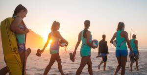 如何準備一套完善的裝備去打沙灘排球?