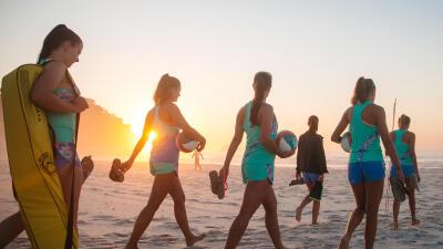 Comment-bien-s%27%C3%A9quiper-pour-pratiquer-le-beach-volley%3F.jpg