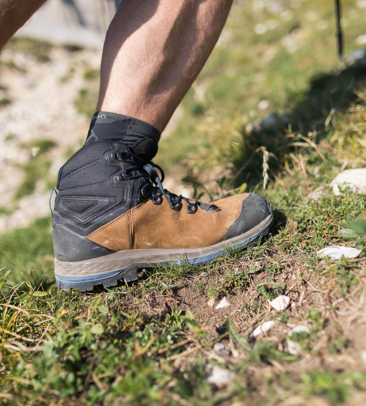 how-to-choose-hiking-trekking-footwear-duration-walk-durability-resistance