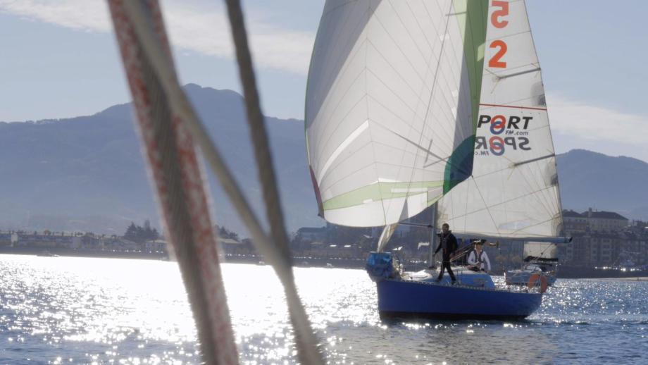 Le Figaro 1 bleu d'un de nos concurrent durant la régate