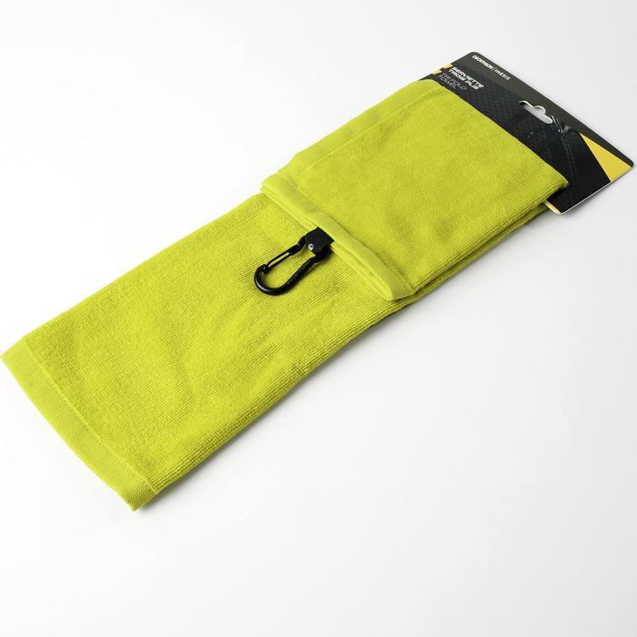 Driedubbel gevouwen handdoek voor golf geel