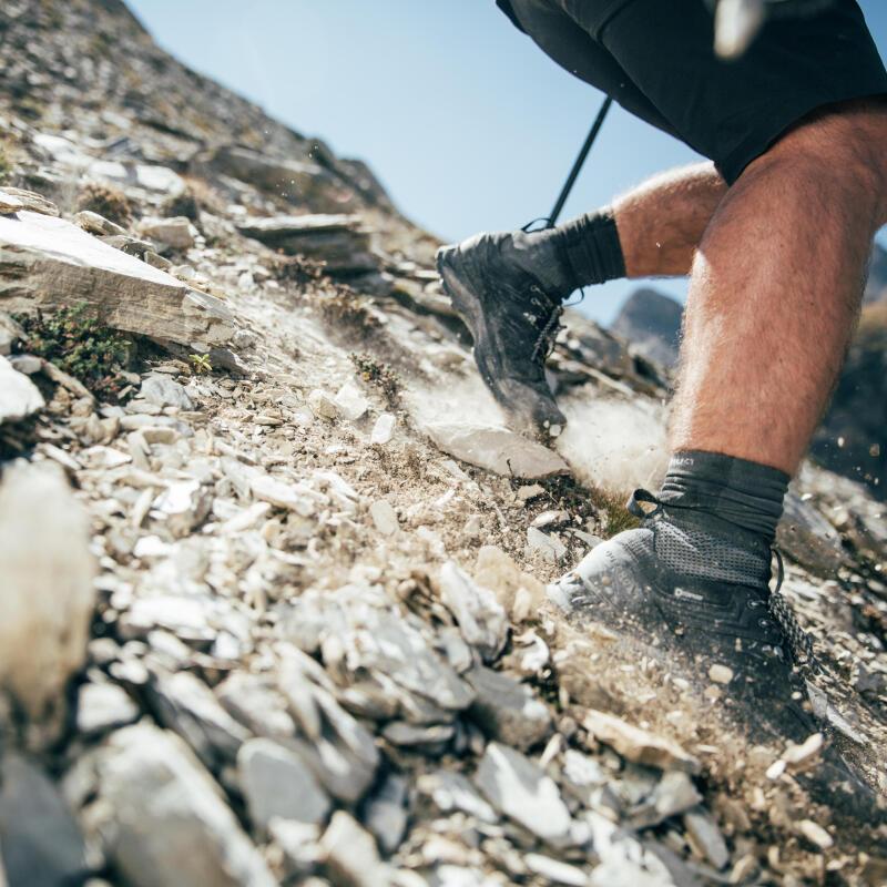 Chaussettes : les astuces à connaître pour prendre soin de vos pieds