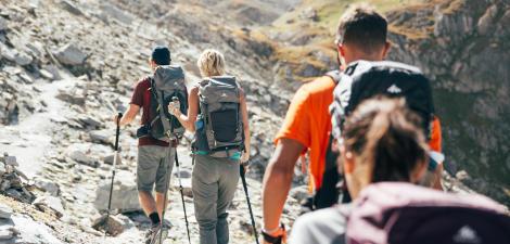 choisissez un accompagnateur de moyenne montagne randonnee quechua decathlon