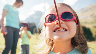 lunettes-de-soleil-enfant-anti-UV-polycarbonate.jpg