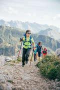SORTURI TRICOURI AVANSAT 7-15 ani Drumetie,Trekking - Tricou MH550 Bărbați QUECHUA - Imbracaminte