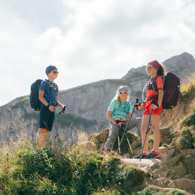 the best outfit for your child when hiking Quechua tips