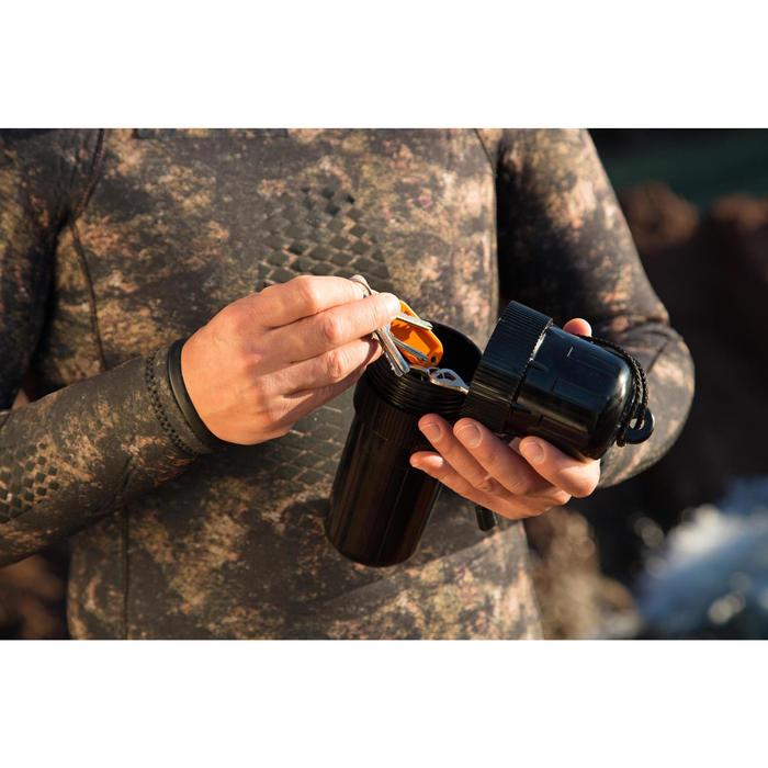 Boite étanche chasse sous-marine ovoïde noir