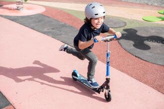 學習兒童滑板車