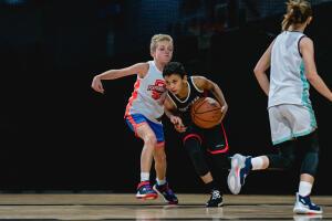 travailler sa main faible au basket