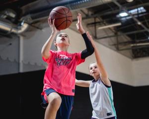 青少年籃球裝備