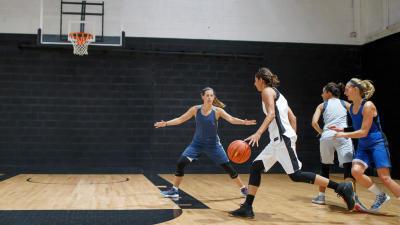 basket_tenue_femme.jpg