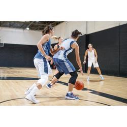 Basketballshorts SH500 Damen hellgrau
