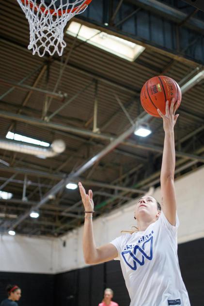 basketball-fait-grandir-femme-taille