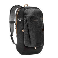 鄉村健行背包10 L NH100-黑色