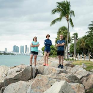 Marche-rapide-sport-santé-bonne-habitude-bienfaits-marche-collective