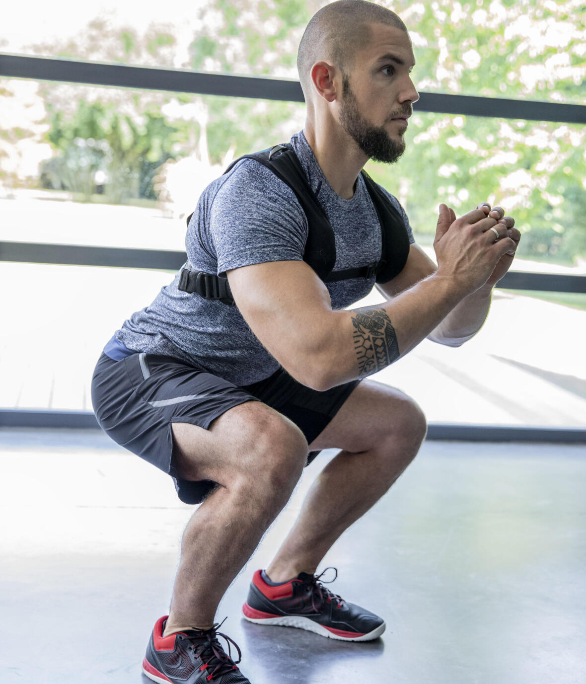 Squats to build strengthen your legs