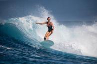 comment choisir son maillot de bain femme pour surfer